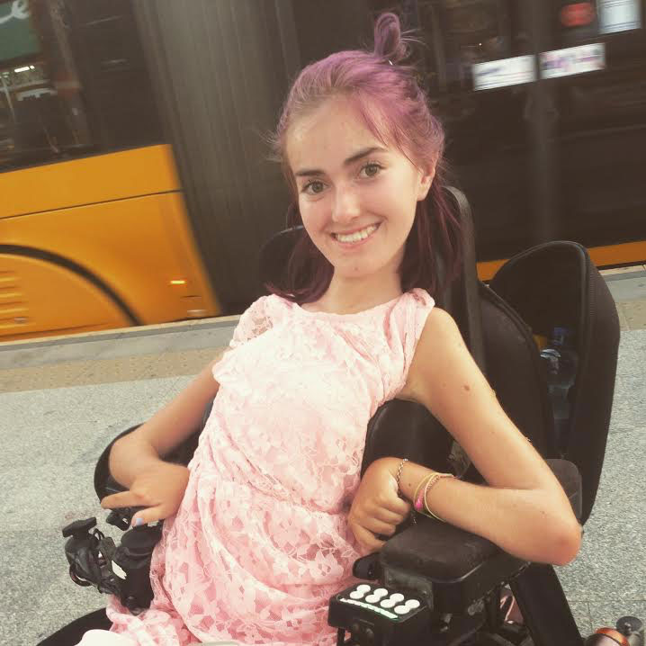 Is tonje and i am a 16 year old girl from norway i use a wheelchair