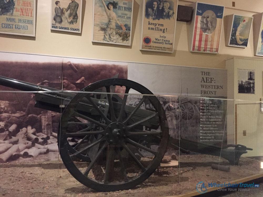 Artillery Cannon Display, Indiana War Memorial