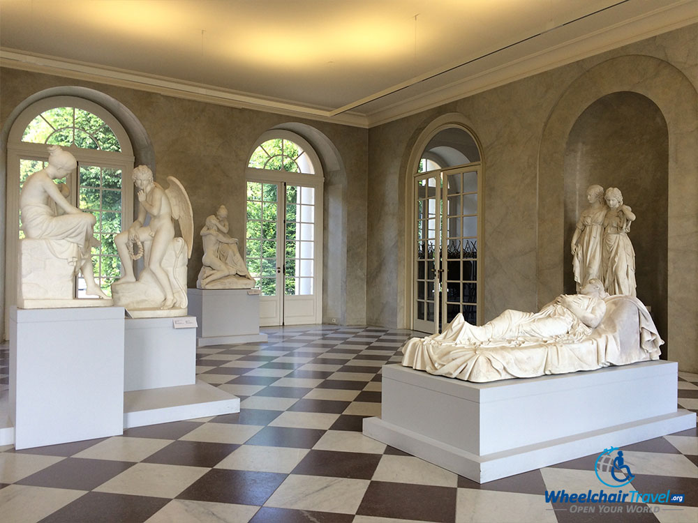 PHOTO DESCRIPTION: Sculptures in Charlottenburg Palace.