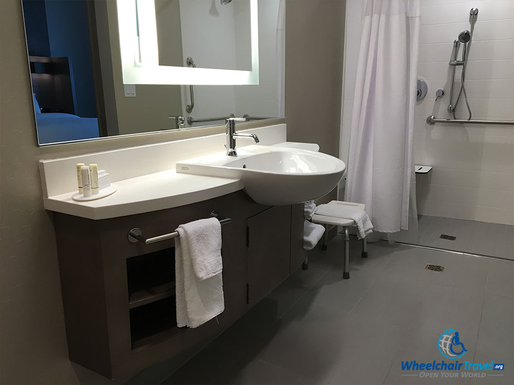 Hotel review springhill suites milwaukee downtown for Wheelchair accessible sink bathroom